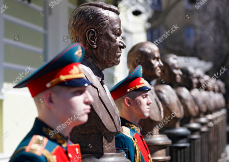 Russian soldiers guard near the bronze bust of the first President of the Russian Federation Boris Yeltsin during the unveiling ceremony on Alley of Rulers in Moscow, Russia, 23 April 2018. Boris Yeltsin join statues of the Soviet leaders Vladimir Lenin, Joseph Stalin, Nikita Khrushchev, Leonid Brezhnev, Yury Andropov, Konstantin Chernenko and Mikhail Gorbachev in the Alley of Rulers in the Russian Military History Society.
