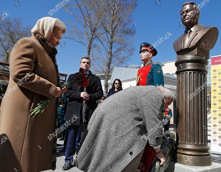Yeltsin's widow, Naina Yeltsin (L) and Sculptor and artist Zurab Tsereteli lay flowers to the bronze bust of the Russian first President Boris Yeltsin during the unveiling ceremony on Alley of Rulers in Moscow, Russia, 23 April 2018. Boris Yeltsin join statues of the Soviet leaders Vladimir Lenin, Joseph Stalin, Nikita Khrushchev, Leonid Brezhnev, Yury Andropov, Konstantin Chernenko and Mikhail Gorbachev in the Alley of Rulers in the Russian Military History Society.