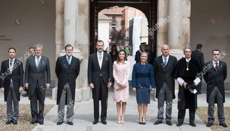 Minister of Culture Inigo Mendez de Vigo (2L), President of Spain Mariano Rajoy, King Felipe VI, Queen Letizia Ortiz, president of the community of Madrid Cristina Cifuentes (4R)