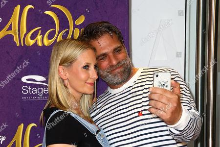 Carsten Spengemann mit partner Julie Groß