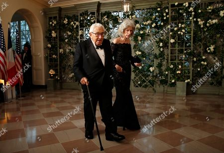 Henry Kissinger, Nancy Kissinger. Former Secretary of State Henry Kissinger and his wife Nancy Kissinger arrive for a State Dinner with French President Emmanuel Macron and President Donald Trump at the White House, in Washington