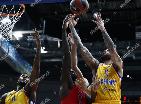 Othello Hunter (C) of CSKA Moscow in action against Thomas Robinson (L) and Tyler Honeycutt (R) of Khimki Moscow Region during the Euroleague basketball playoff match between CSKA Moscow and Khimki Moscow Region in Moscow, Russia, 25 April 2018.