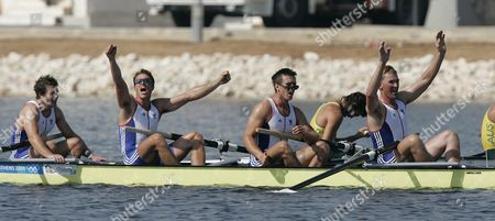 Matthew Pinsent Ed Coode James Cracknell And Steve Williams After Winning Mens Coxless Fours Gold Medal At 2004 Olympic Games In Athens