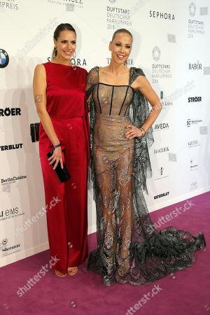 Esther Sedlaczek und Sylvia Walker