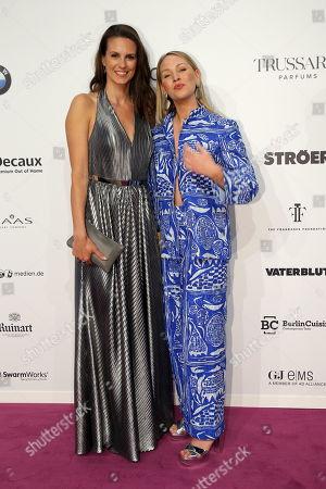 Stock Image of Katrin Wrobel und Evelyn Weigert