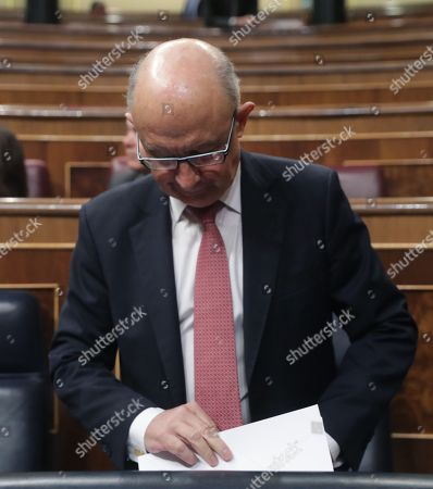 Spanish Treasure Minister, Cristobal Montoro, arrives to the second session of the 2018 Budget Debate at the Lower House in Madrid, Spain, 26 April 2018. The Lower House will vote the amendments to the 2018 Budget although it all points to the rejection of these as the budget presented by the Government counts with the support of the People's Party (PP), Ciudadanos, Basque PNV, Coalicion Canaria, Foro Asturias and UPN.