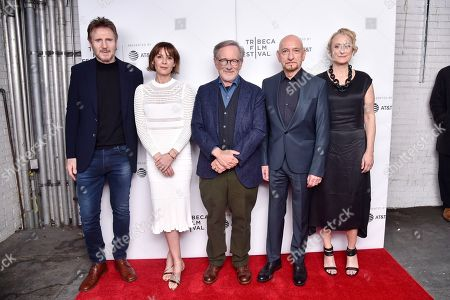 Stock Photo of Liam Neeson, Embeth Davidtz, Steven Spielberg, Sir Ben Kingsley, Caroline Goodall