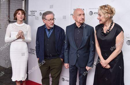 Stock Image of Embeth Davidtz, Steven Spielberg, Sir Ben Kingsley, Caroline Goodall
