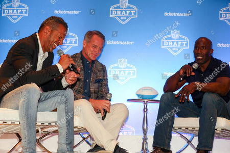 Andre Reed, Daryl Johnston, Terrell Davis. L-r) NFL Legends Andre Reed, Daryl Johnston, and Terrell Davis take the stage at Ticketmaster's 2018 NFL Draft pre-party at AT&T Stadium, in Arlington, Texas