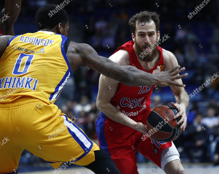 Sergio Rodriguez (R) of CSKA Moscow in action against Thomas Robinson (L) of Khimki Moscow Region during the Euroleague basketball Playoff game 4th match between CSKA Moscow and Khimki Moscow Region in Moscow, Russia, 27 April 2018.