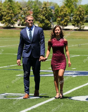 first rounders dating Golf and first dates: singles often face a dating match made in hell  but meeting for the first time on a golf course strikes me as a bad idea  a round of golf .