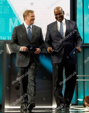 Stock Picture of Roger Goodell, Dwight Stephenson. NFL Commissioner Roger Goodell, left, walks out with former player Dwight Stephenson to announce Penn State's Mike Gesicki as the Miami Dolphins' pick during the second round of the NFL football draft, in Arlington, Texas