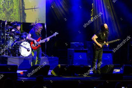 Mike Mangini, Dave LaRue, John Petrucci