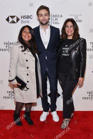Haifaa Al-Mansour, Douglas Booth and Amy Baer