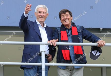 Former Bologna's player Romano Fogli (L)  and Italian singer Gianni Morandi during the Italian Serie A soccer match between Bologna FC and AC Milan at Dall'Ara stadium in Bologna, Italy, 29 April 2018.