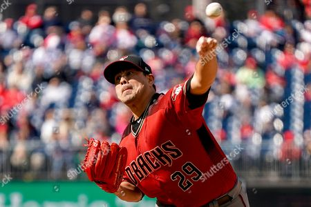 Arizona Diamondbacks relief pitcher Jorge De La Rosa (29) pitches during the ninth inning of a baseball game against the Washington Nationals at Nationals Park, in Washington