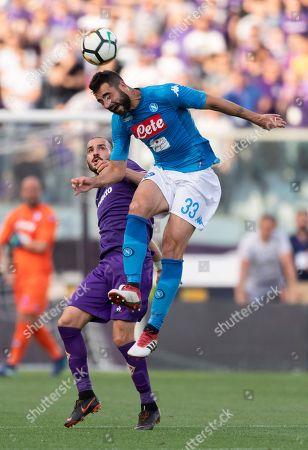 Riccardo Saponara of Fiorentina and Raul Albiol Tortajada of Napoli