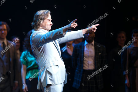 Tim Howar (Frederick Trumper) during the curtain call