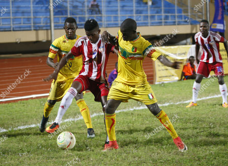 Sam Jackson (C) of Liberia in action during a semi final match between Liberia and Mali at the ongoing West African Football Union (WAFU) U-20 Championship 2018, at the Samuel Kanyon Doe Sports Stadium in Monrovia, Liberia, 02 May 2018.