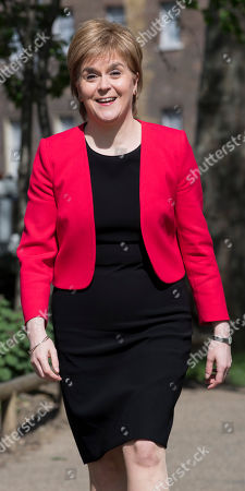 Nicola Sturgeon 19.04.17 Scottish National Party Leader Nicola Sturgeon Arrives At A Press Call With Angus Robertson At Victoria Gardens And Is Joined By The Snp Westminster Group.