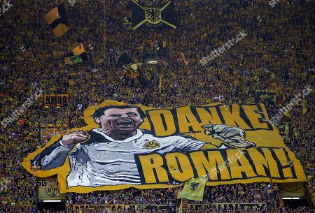 Dortmund, Germany, 1. Football  BL,  match day 26 , Borussia Dortmund vs Mainz 05 1-2 05 . 05 .2018  Signal - Iduna Park stadium  in Dortmund  Die Dortmunder Fans in SÂ?uedkurve (Gelbe Wand) , Roman Weidenfeller (BVB),
