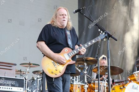 Artist Warren Haynes of Gov't Mule performs on the River Stage at Beale Street Music Festival on in Memphis, Tenn