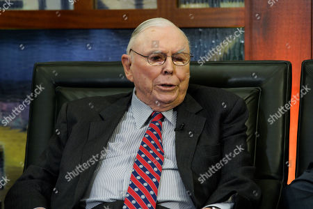 """Berkshire Hathaway Vice Chairman Charlie Munger speaks during an interview in Omaha, Neb., with Liz Claman on Fox Business Network's """"Countdown to the Closing Bell"""
