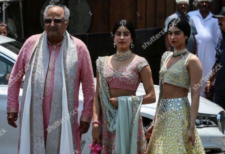 Janhvi Kapoor, Khushi Kapoor and Boney Kapoor