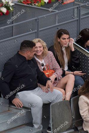Ronaldo and his girlfriend Celina Locks with Daniella Cicarelli.