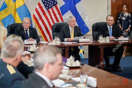 US Secretary of Defense Jim Mattis (C), Finland Defense Minister Jussi Niinisto (R) and Sweden Defense Minister Peter Hultqvist (L) participate in a trilateral meeting at the Pentagon, USA, 08 May 2018. During a meeting the three defense ministers signed a trilateral defense cooperation agreement.