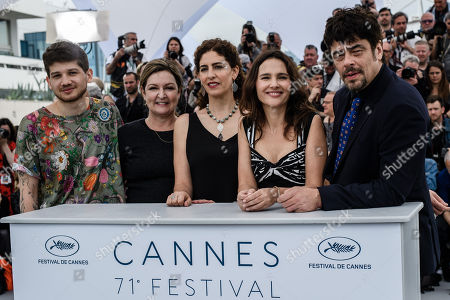 (L-R) Un Certain Regard Jury Members, Kantemir Balagov, Julie Huntsinger, Annemarie Jacir, Virginie Ledoyen and Benicio del Toro pose during the 'Un Certain Regard' jury photocall for at the 71st annual Cannes Film Festival, in Cannes, France, 09 May 2018.