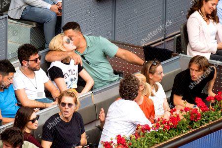 Gara Gonzalez and boyfriend (Adolfo Dominguez's niece), Luka Modric, Vanja Bosnic, Pablo Lopez, Ronaldo Nazario, Celina Locks, Anne Igartiburu, Pablo Heras-Casado