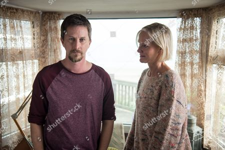 Stock Photo of (Ep 1) - Lee Ingleby as David Collins and Hermione Norris as Alice.