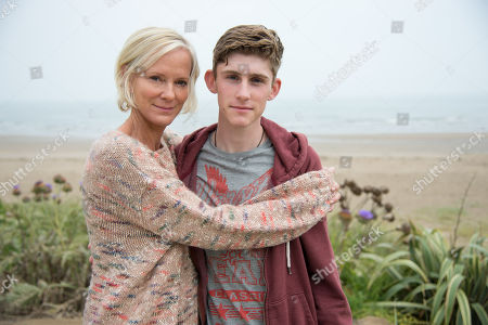 (Ep 3) - Hermione Norris as Alice and Fionn O'Shea as Jack.