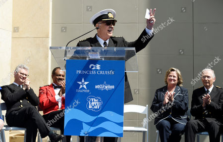 "Fred Grandy, Ted Lange, Gavin MacLeod, Cynthia ""Lauren"" Tewes, Bernie Kopell. Gavin MacLeod, center, an original cast member in the television series ""The Love Boat,"" addresses the crowd as fellow cast members, from left, Fred Grandy, Ted Lange, Cynthia ""Lauren"" Tewes and Bernie Kopell look on at a Friends of Hollywood Walk of Fame honorary star plaque ceremony for the cast and Princess Cruises, in Los Angeles"