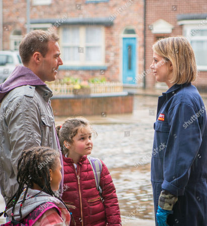 Ep 9463 Wednesday 23 May 2018 - 1st Ep When Hope Stape, as played by Isobella Flanagan, sees Abi Franklyn, as played by Sally Carmen, kissing Tyrone Dobbs, as played by Alan Halsall, on the cheek, and telling him how much she loves her new boss, she reports back to a furious Fiz.
