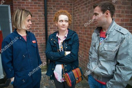 Stock Photo of Ep 9461 Monday 21 May 2018 - 1st Ep Abi Franklyn, as played by Sally Carmen, starts work at the garage. Fiz Stape, as played by Jennie McAlpine, feels a stab of jealousy when she clocks the easy rapport between Tyrone Dobbs, as played by Alan Halsall, and Abi. When she then hears Abi's an ex heroin addict, Fiz is less than impressed.