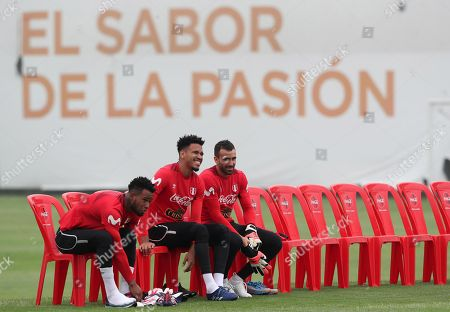 Peru's national soccer team players Carlos Caceda (L), Pedro Gallese (C) and Jose Carvallo participate in a training session at the Videna sports city in Lima, Peru, 11 May 2018. Peru prepares for a European tour where it will play friendly matches against Saudi Arabia and Sweden to prepare for the the 2018 FIFA World Cup Russia.