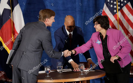 Lupe Valdez, Andrew White, Gromer Jeffers. Texas Democratic gubernatorial candidates Andrew White, left, and Lupe Valdez, right, shake hands as they prepare to debate, in Austin, Texas, ahead of the state's May 22 primary runoff election. Moderator Gromer Jeffers is at center