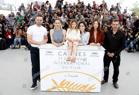 (L-R) French actor Alban Lenoir, French actress Marion Cotillard, French actress Ayline Aksoy-Etaix, French director Vanessa Filho, French actress Amelie Daure and French actor Stephane Rideau pose during the photocall for 'Angel Face (Gueule D'Ange)' at the 71st annual Cannes Film Festival, in Cannes, France, 12 May 2018. The movie is presented in the section Un Certain Regard of the festival which runs from 08 to 19 May.