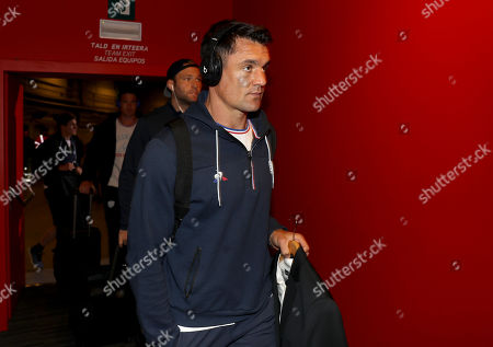 Leinster vs Racing 92. Racing 92's Dan Carter arrives later to be ruled out due to an injury
