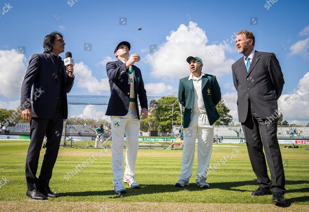 Ireland captain William Porterfield and Pakistan captain Sarfraz Ahmed with match referee Chris Broad at the coin toss