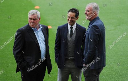 Manager Steve Bruce of Aston Villa with ex-Manchester United team mate Gary Pallister