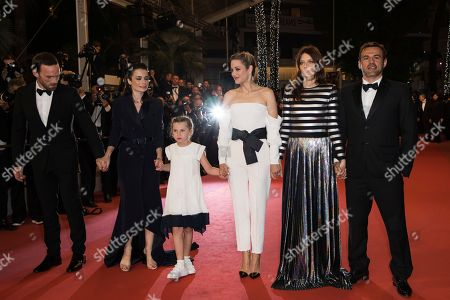 Alban Lenoir, Vanessa Filho, Ayline Aksoy-Etaix, Marion Cotillard, Amelie Daure, Stephane Rideau. Actor Alban Lenoir, from left, director Vanessa Filho, actress Ayline Aksoy-Etaix, actress Marion Cotillard, actress Amelie Daure and actor Stephane Rideau from the film 'Angel Face' pose for photographers upon arrival at the premiere of the film '3 Faces' at the 71st international film festival, Cannes, southern France