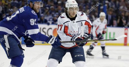 8fb4c0d52d4 Tampa Bay Lightning center Steven Stamkos (91) and Washington Capitals  right wing T.J. Oshie ...