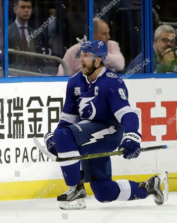 7fa54d49305 Tampa Bay Lightning center Steven Stamkos (91) celebrates after his goal  against the Washington ...