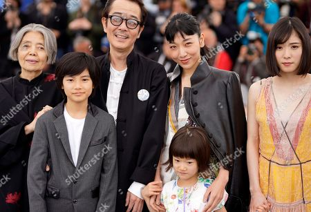 (L-R) Kirin Kiki, Jyo Kairi, Lily Franky, Miyu Sasaki, Sakura Ando and Mayu Matsuoka pose during the photocall for 'Shoplifters (Manbiki Kazoku)' at the 71st annual Cannes Film Festival, in Cannes, France, 14 May 2018. The movie is presented in the Official Competition of the festival which runs from 08 to 19 May.