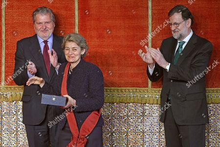 Spanish Prime Minister Mariano Rajoy (R), and Spanish Education Minister, Inigo Mendez de Vigo (L), applaud Director-General of UNESCO, Bulgarian Irina Bokova, after she received the Grand Cross of the Order of Alfonso X the Wise, during a ceremony at Real Alcazar in Segovia, Spain, 14 May 2018. The Order of Alfonso X the Wise is a Spanish civil order that recognizes activities in the fields of culture, higher education, science and research.