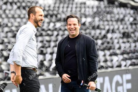 Former Fulham goalkeeper Mark Schwarzer, left