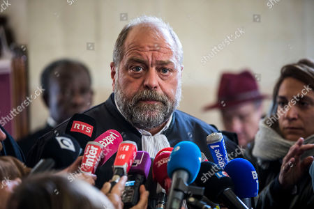 Former French Budget Minister Jerome Cahuzac's  lawyer Eric Dupond-Moretti (C) speaks to the press at the Appeal Court in Paris, France, 15 May 2018, after Cahuzac was sentenced to a four year suspended prison sentence for tax fraud in 2016.